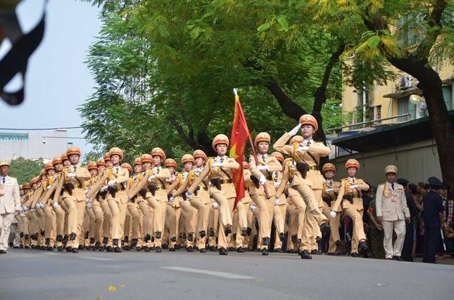 Bóng hồng trong lễ diễu binh, diễu hành kỷ niệm Quốc khánh ảnh 5