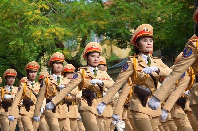 Bóng hồng trong lễ diễu binh, diễu hành kỷ niệm Quốc khánh ảnh 6