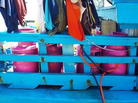Những 'bom gas tử thần' trên tàu cá ảnh 1