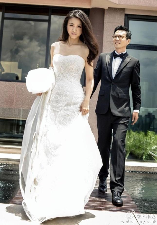 Những chiếc váy cưới của mỹ nhân Hoa ngữ ảnh 4