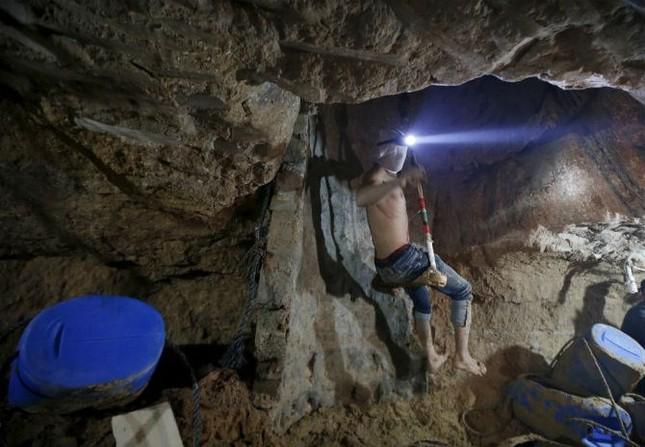 Bên trong đường hầm buôn lậu vũ khí tại Dải Gaza ảnh 10