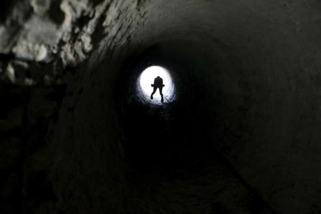 Bên trong đường hầm buôn lậu vũ khí tại Dải Gaza ảnh 3