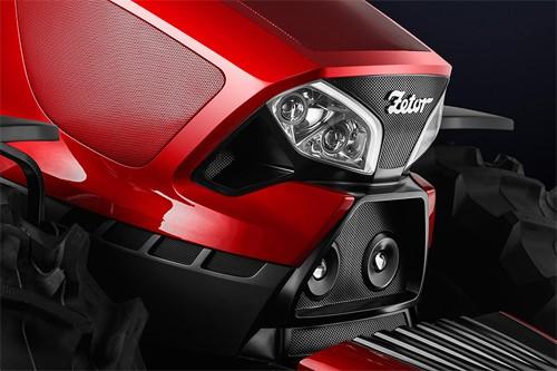 Kỳ lạ máy kéo mang phong cách... siêu xe Ferrari ảnh 3