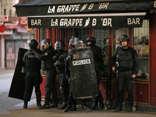 IS dùng thuốc nổ 'Mẹ Quỷ' trong vụ khủng bố Paris ảnh 1
