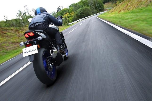 Suzuki SV650 sẽ 'tái xuất giang hồ' vào năm 2016 ảnh 8
