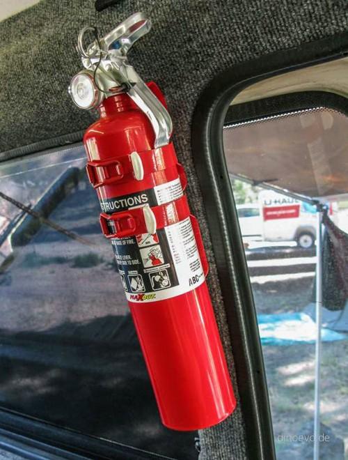 Nên đặt bình cứu hỏa ở đâu trên ôtô? ảnh 5