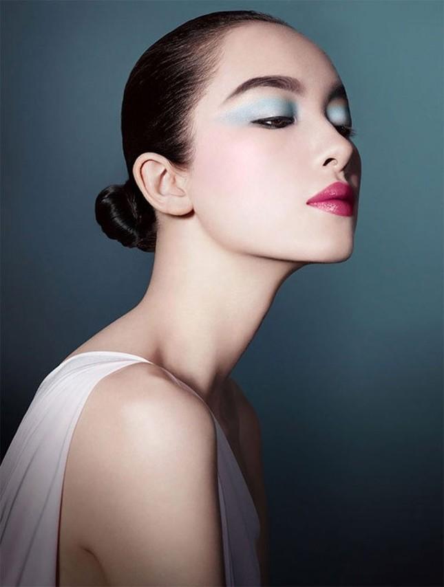 Nhan sắc của 3 chân dài đắt giá nhất Trung Quốc ảnh 21