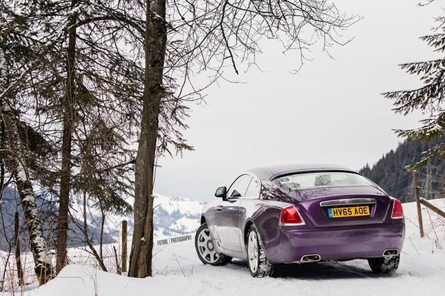 Cận cảnh Rolls-Royce Wraith màu tím độc nhất thế giới ảnh 8
