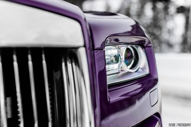 Cận cảnh Rolls-Royce Wraith màu tím độc nhất thế giới ảnh 3