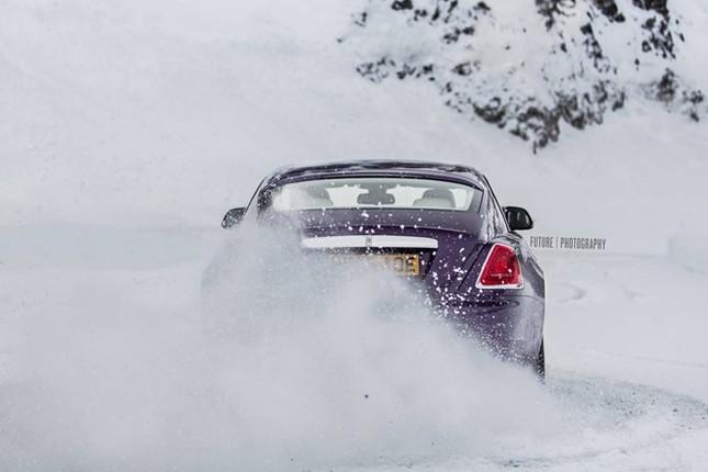 Cận cảnh Rolls-Royce Wraith màu tím độc nhất thế giới ảnh 6