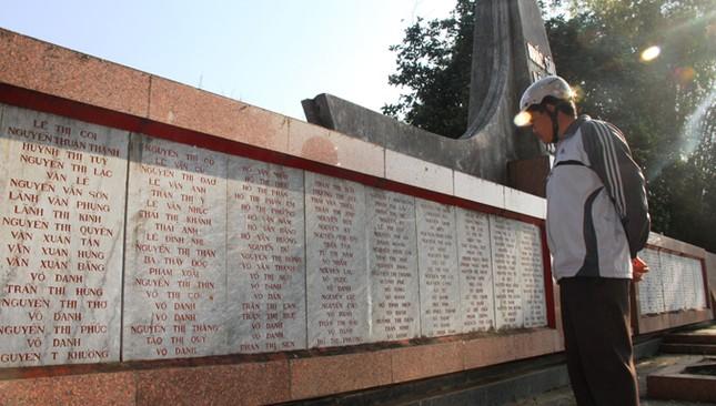 Giáo sư Hàn Quốc cúi đầu tạ tội nạn nhân vụ thảm sát Bình An ảnh 4