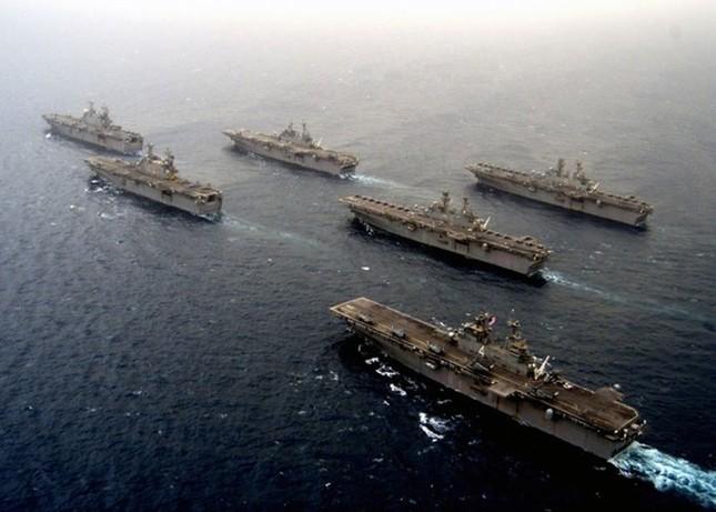 Choáng ngợp tàu chiến Mỹ dàn quân phóng tên lửa trên biển ảnh 12