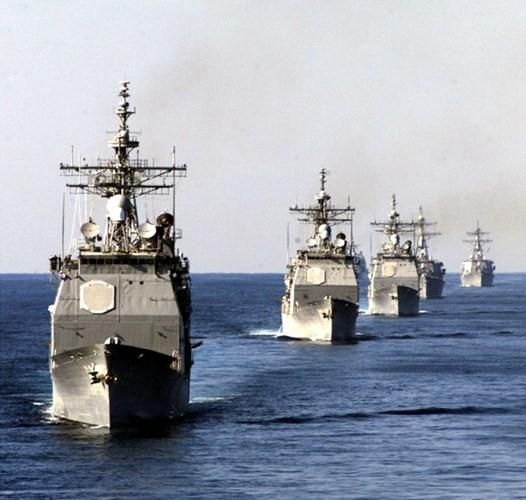 Choáng ngợp tàu chiến Mỹ dàn quân phóng tên lửa trên biển ảnh 4