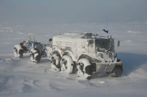 Burlak - 'Quái vật lưỡng cư' chinh phục Bắc Cực ảnh 2