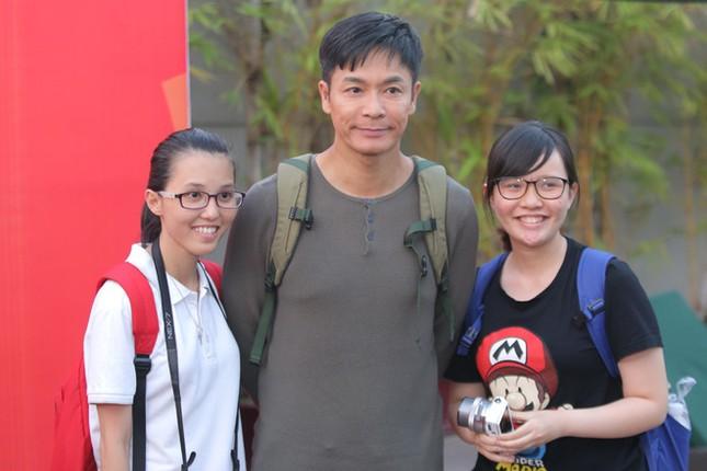 Dàn sao TVB giản dị trong buổi khai máy tại Việt Nam ảnh 3