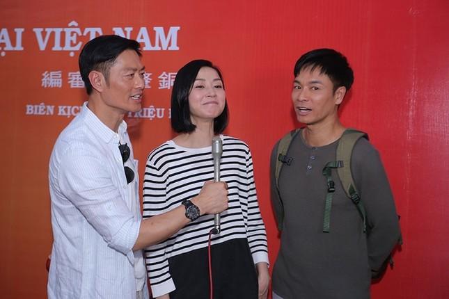 Dàn sao TVB giản dị trong buổi khai máy tại Việt Nam ảnh 7