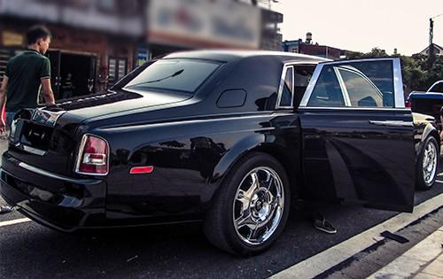 Đại gia Lào Cai tậu xe siêu sang Rolls-Royce Phantom ảnh 4
