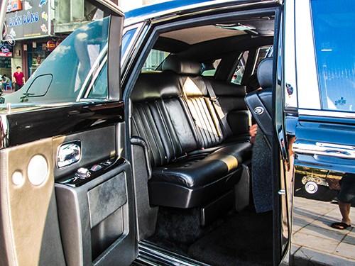 Đại gia Lào Cai tậu xe siêu sang Rolls-Royce Phantom ảnh 8