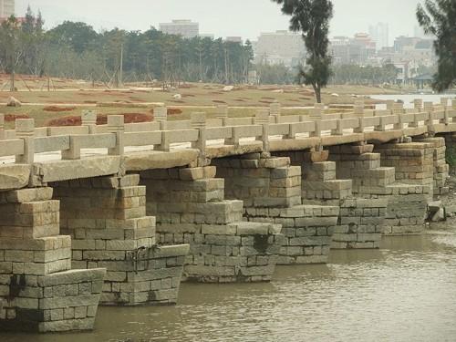 Mục kích cây cầu cổ bằng đá dài nhất Trung Quốc ảnh 2