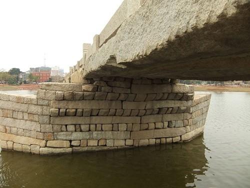 Mục kích cây cầu cổ bằng đá dài nhất Trung Quốc ảnh 4