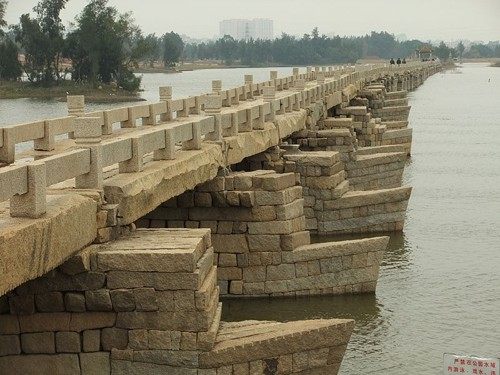 Mục kích cây cầu cổ bằng đá dài nhất Trung Quốc ảnh 5