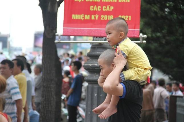 Người dân TP HCM háo hức đón Tổng thống Obama ảnh 17