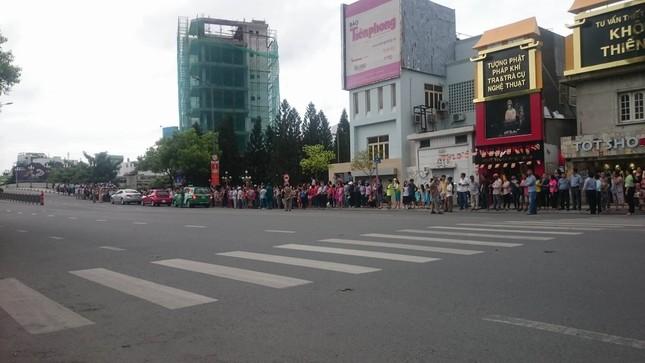 Người dân TP HCM háo hức đón Tổng thống Obama ảnh 11