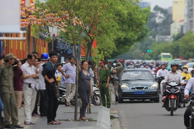 Người dân TP HCM háo hức đón Tổng thống Obama ảnh 9