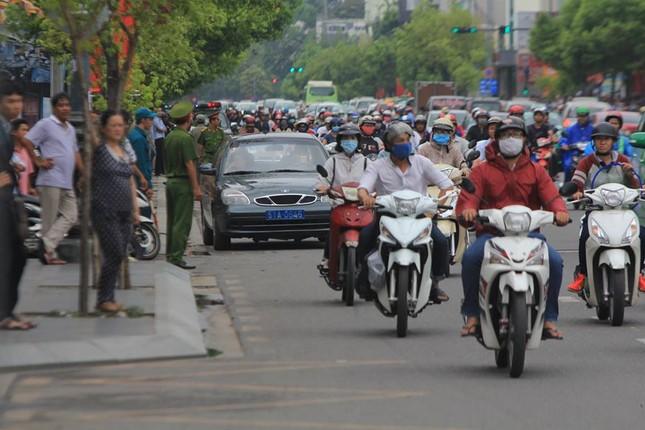 Người dân TP HCM háo hức đón Tổng thống Obama ảnh 4