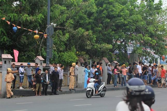 Người dân TP HCM háo hức đón Tổng thống Obama ảnh 6