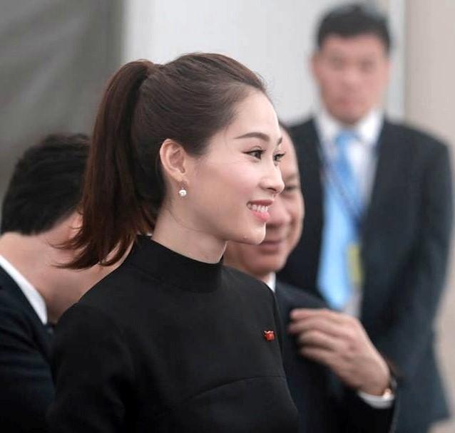 Hoa hậu Thu Thảo và bạn trai rạng rỡ đón Tổng thống Obama ảnh 1