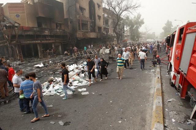 Hiện trường đánh bom đẫm máu khiến 125 người chết ảnh 2
