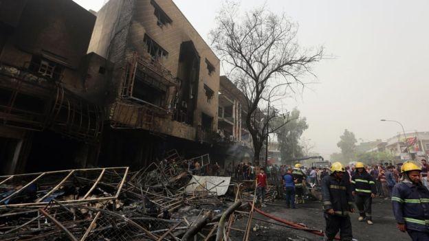 Hiện trường đánh bom đẫm máu khiến 125 người chết ảnh 1