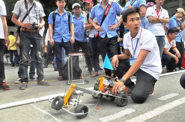 """Đua xe """"F1 tự chế"""" của sinh viên TPHCM ảnh 15"""