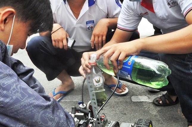 """Đua xe """"F1 tự chế"""" của sinh viên TPHCM ảnh 5"""