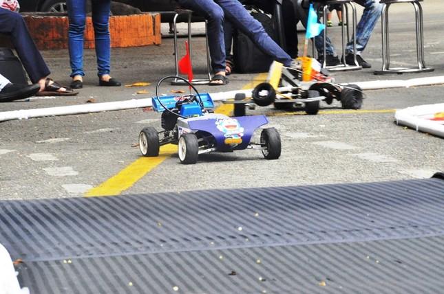 """Đua xe """"F1 tự chế"""" của sinh viên TPHCM ảnh 9"""