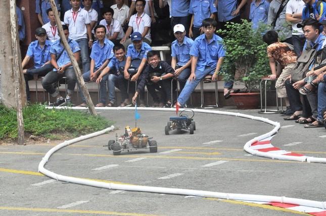 """Đua xe """"F1 tự chế"""" của sinh viên TPHCM ảnh 10"""