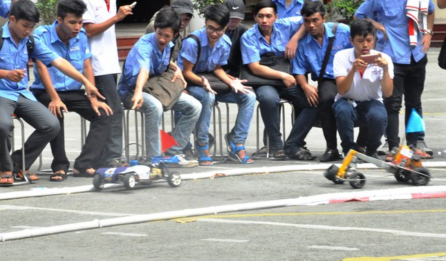 """Đua xe """"F1 tự chế"""" của sinh viên TPHCM ảnh 11"""