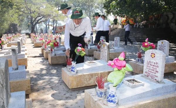Tri ân các Anh hùng liệt sĩ tại Quảng Trị ảnh 14
