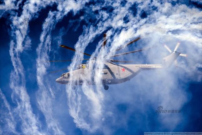 Mê hồn trực thăng Nga bắn rocket, múa trên không ảnh 8