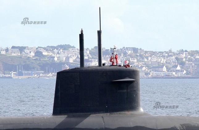 Nhìn gần tàu ngầm hạt nhân 'dát vàng' của Pháp ảnh 11