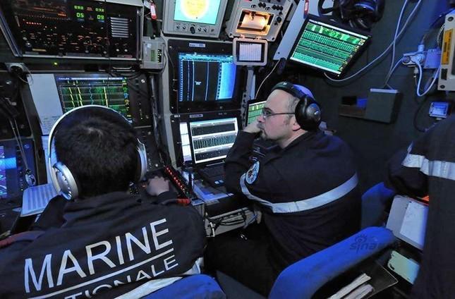 Nhìn gần tàu ngầm hạt nhân 'dát vàng' của Pháp ảnh 4