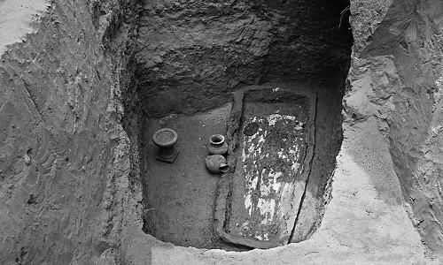 Bộ trang sức nạm đầy ngọc quý trong cổ mộ nữ quý tộc ảnh 3