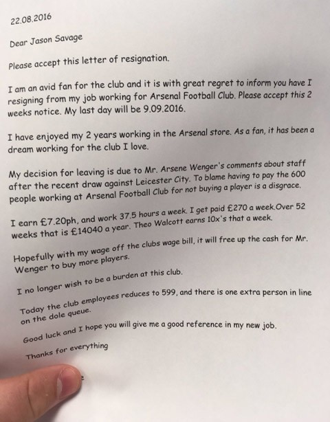 Nhân viên Arsenal xin nghỉ việc để Wenger có tiền mua sắm ảnh 1