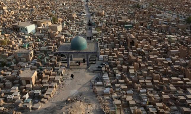 Cận cảnh nghĩa trang rộng nhất thế giới ở Iraq ảnh 1