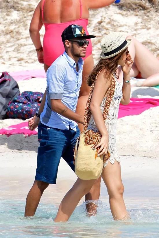 Ngôi sao Neymar 'yêu lại từ đầu' ảnh 2