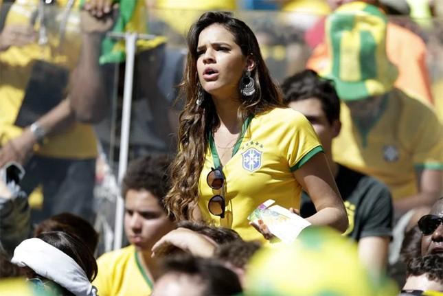 Ngôi sao Neymar 'yêu lại từ đầu' ảnh 8