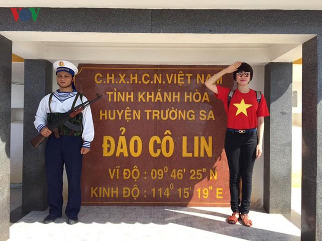 Ảnh hiếm về Hoa hậu Việt Nam đầu tiên ra Trường Sa ảnh 21