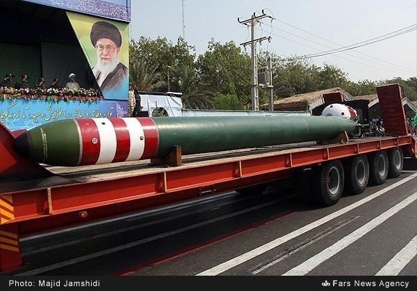 Mục kích dàn vũ khí 'khủng' của quân đội Iran ảnh 10