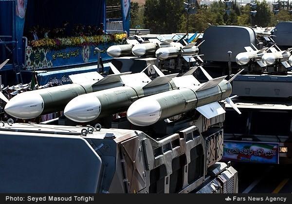 Mục kích dàn vũ khí 'khủng' của quân đội Iran ảnh 13